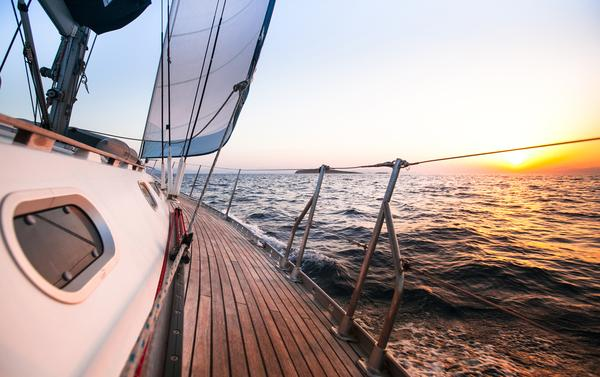 Weather Measuring Instruments for Small Boat Sailors 1 | weatherstationary.com