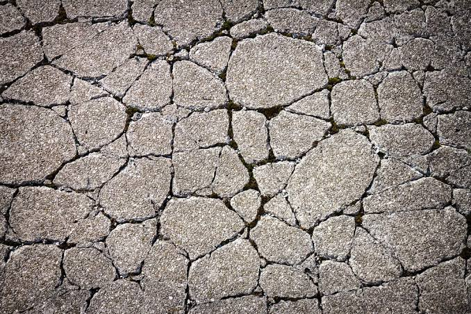 cracked-concrete | Weatherstationary.com